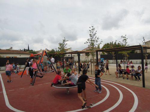 inauguration square CV jeux d'enfants.jpg
